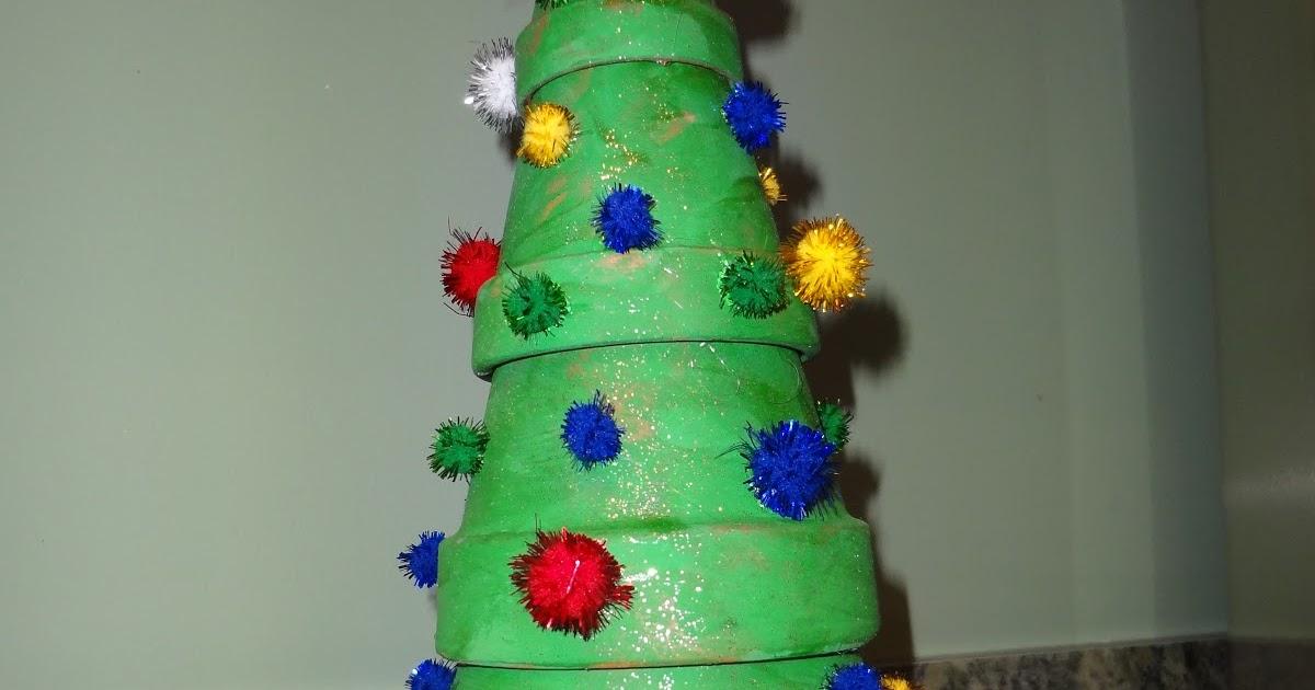 Not So Crafty Mama: Clay Pot Christmas Tree