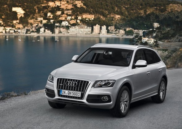 2017 Audi Q5 Hybrid Quattro The Combines Performance Of A Six Cylinder With Fuel Economy Four