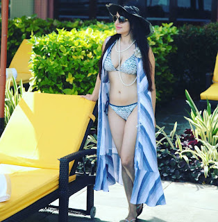 Roop Durgapal spicy TV Show Actress looks Beautiful in Bikini pics on Instagram