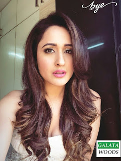 Pragya Jaiswal Hot Images Stills Pics Pictures Wallpapers Gallery