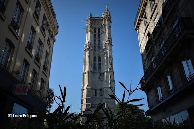 Tour Saint-Jacques, vestigio gotico no centro de Paris © Laura Próspero