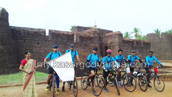 Kerala, News, Differently Abled, Students, Kasaragod, Bekal, Cycle raid, Thiruvananthapuram, Teachers, Students Cycle raid with supports differently abled