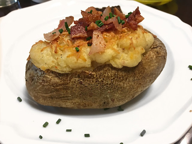 This Twice Baked Potato Recipe is ideal to serve as a side during the holidays, for birthdays, or for those evenings when you want a comforting meal sure to stick to your bones.