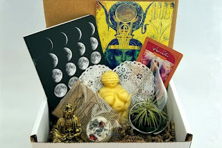 This month's update to the Subscription Box Directory is perfect for books, cats, and the world of the mystical.