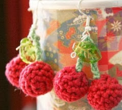 http://translate.google.es/translate?hl=es&sl=en&tl=es&u=http%3A%2F%2Fwww.roxycraft.com%2Fcrochet_cherry_pickers.htm