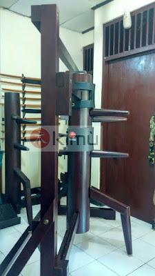 Contoh KIMU Wooden Dummy / Boneka Kayu Berpalang