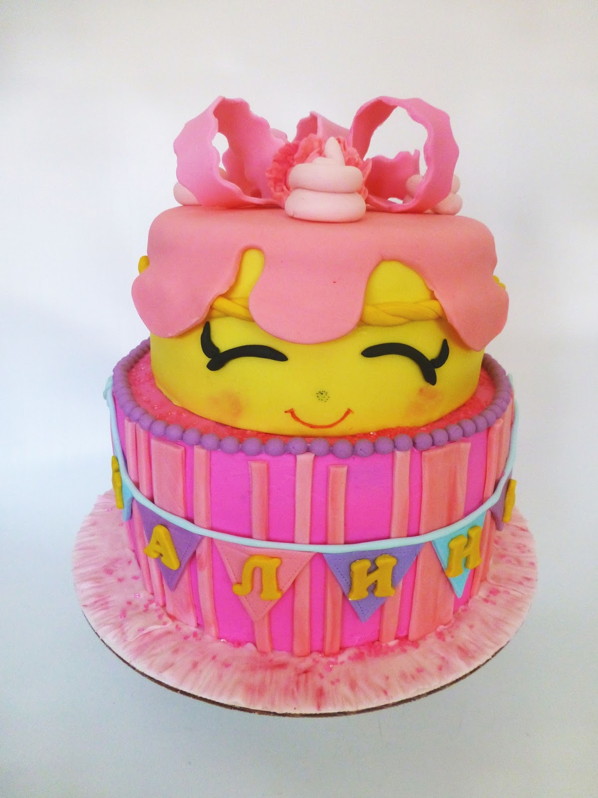 The Icing Artist Shopkins Cake