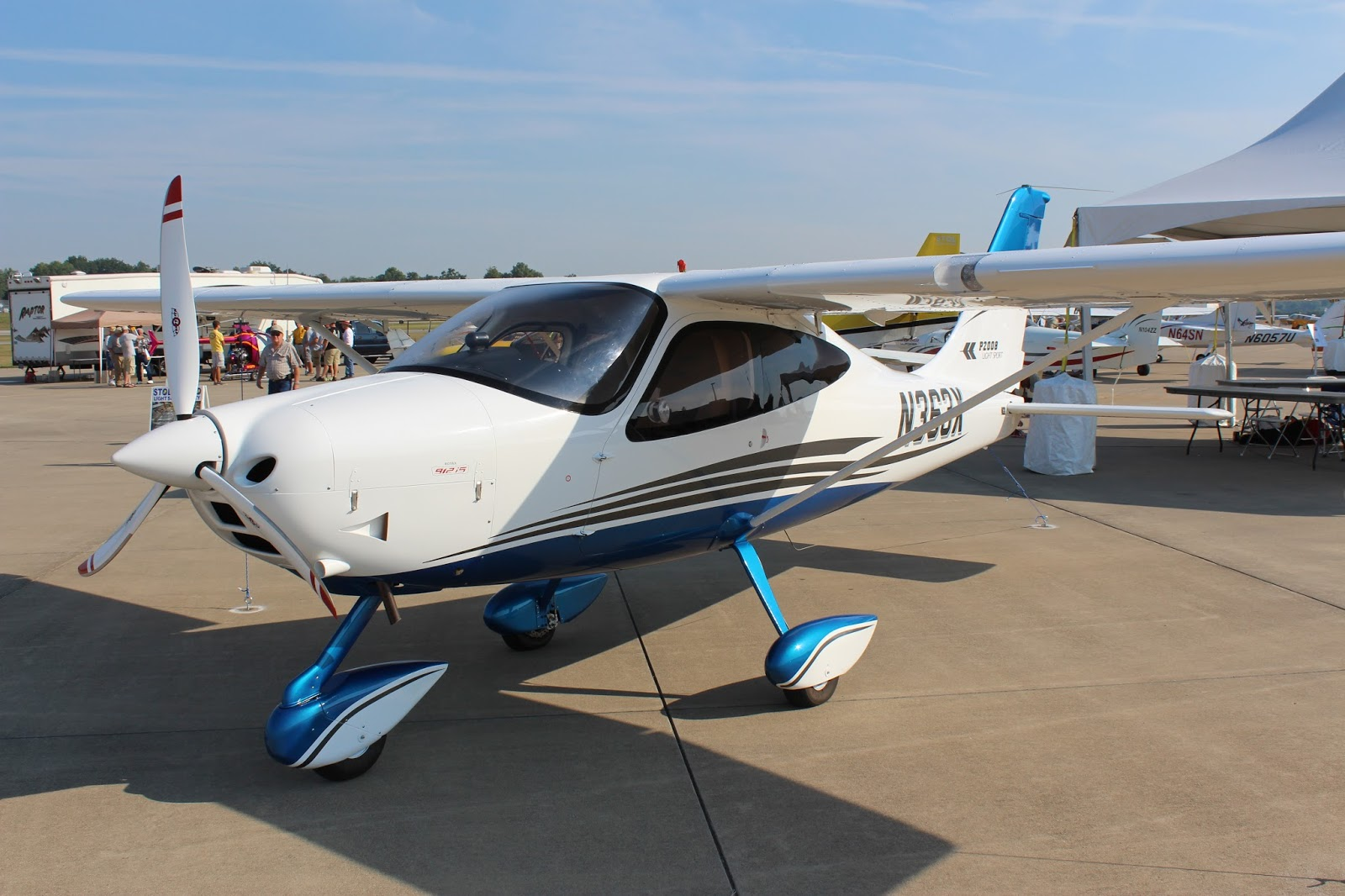 Light Sport Aircraft The Aero Experience Plane And Pilot Midwest Lsa Expo Brings