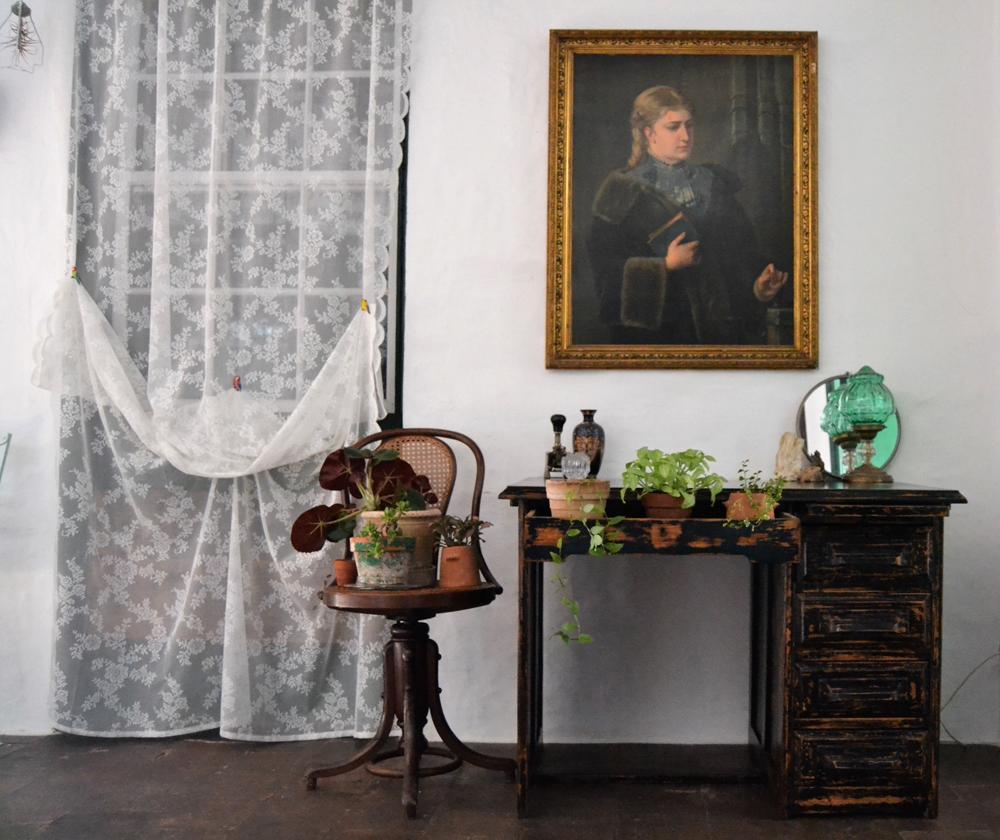 Antes y después de un escritorio americano, le daremos un atractivo acabado en decape y hablaremos del estilo cottage