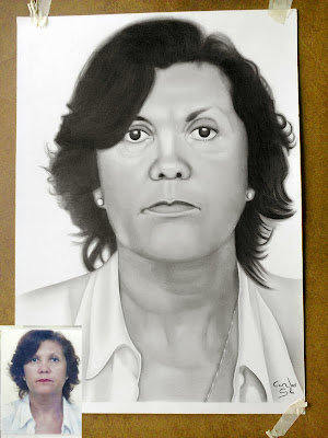 Desenho Realista feito por Carlos Silva através de um cartão com uma foto 3x4, tamanho do desenho A3