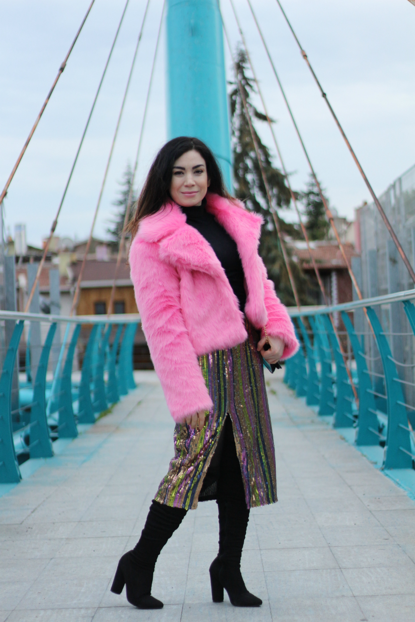 pink fur coat-fashion blogger-Shein