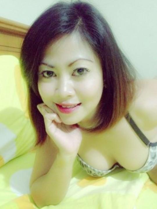 Desahan Nafsu Liar Nyonya Muda Yang Hot