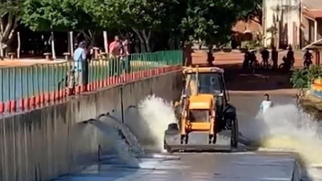 Balneário do Boi Morto é esvaziado para evitar risco com o rompimento de barragem em Ubajara