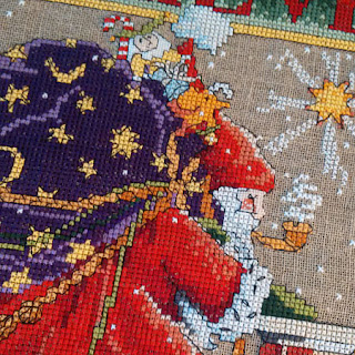 Santa cross stitch: QuiltBee