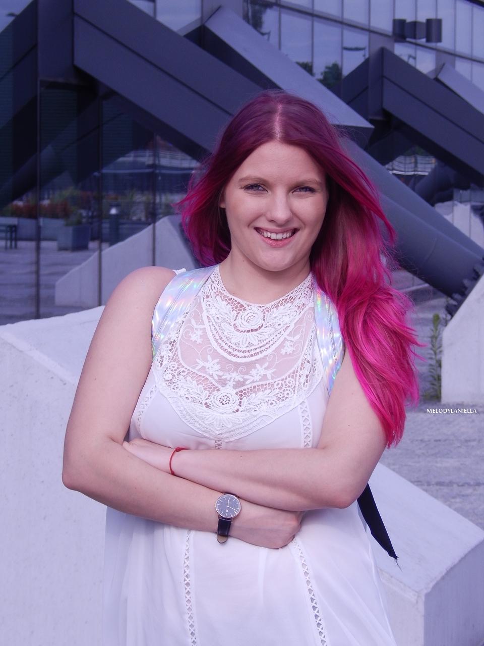 12 holograficzny plecak betterlook.pl farby venita różowe włosy jak pofarbować włosy kolorowe włosy ombre pink hair paul rich watches zegarek czarne jeansy z dziurami modna polka lookbook