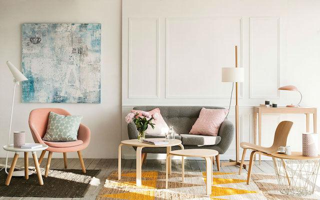 Tendencias decoración 2018 sofá rosa millennial