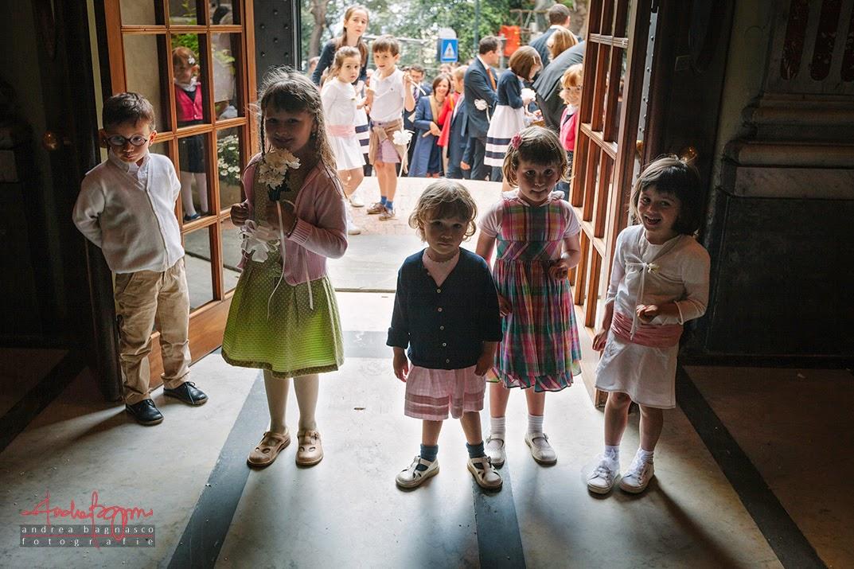 bambini all'uscita chiesa matrimonio Genova Castelletto
