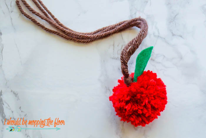 Easy Yarn Pom Pom Apples