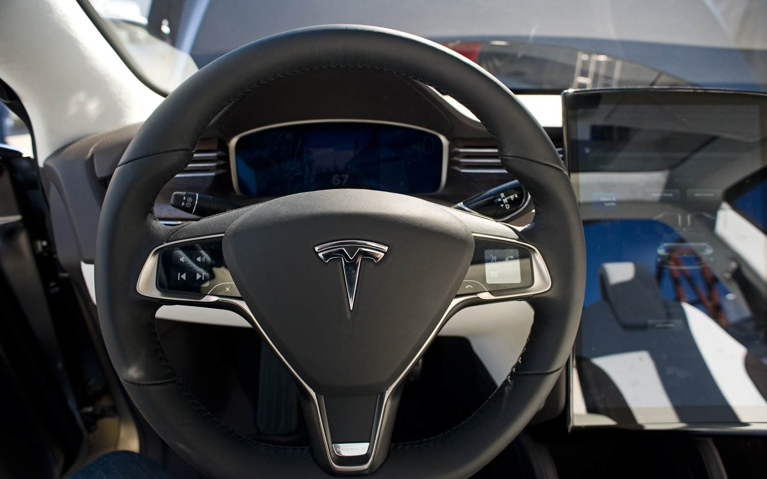 PDF User Manual Download : Tesla Model X - eco-SUV with wings