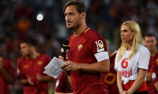 AGEN BOLA - Francesco Totti Bisa Bermain di Kompetisi Kasta Kedua Jepang