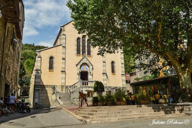 Eglise de Castellane dans le Verdon