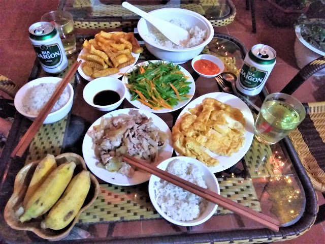 anh ngoc guesthouse food ba be national park vietnam