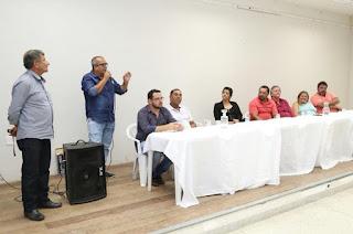 http://vnoticia.com.br/noticia/2249-empresario-toma-posse-como-novo-presidente-da-associacao-de-moradores-de-gargau