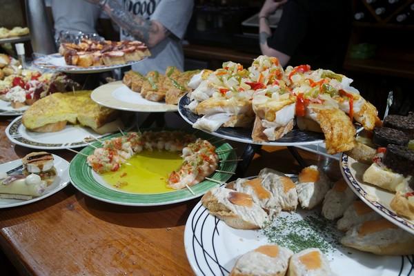 espagne pays basque san sebastian bar pintxos