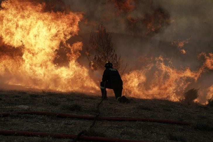 Μάτι: Η συγκλονιστική ανάρτηση πυροσβέστη και η δίωξη