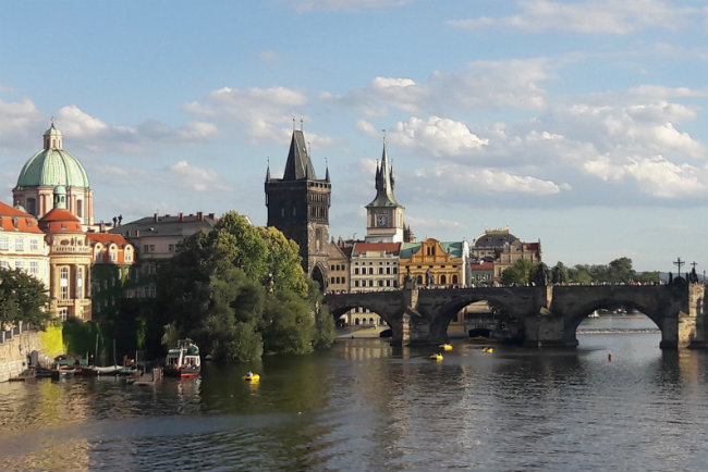 48 hours in Prague, what to do | Happy in Red