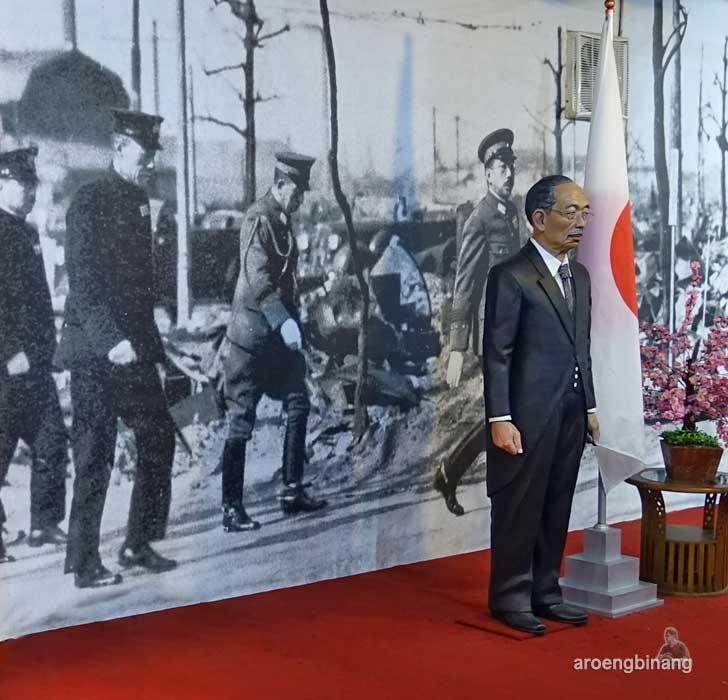 kaisar Hirohito de arca statue art museum yogyakarta
