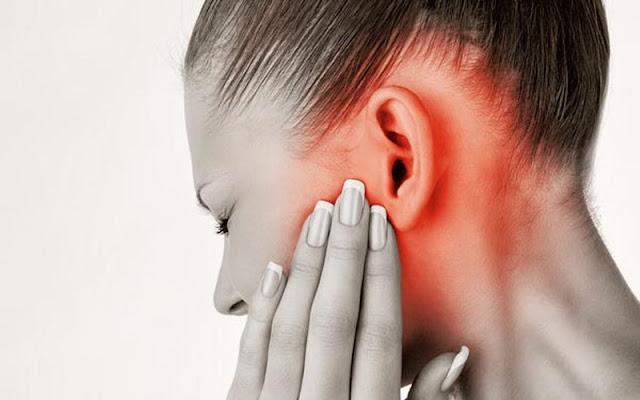 Tak Main-main, ini Bahaya Mendengarkan Musik Dengan Volume Tinggi Pakai `Earphone`