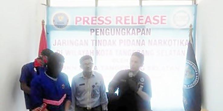 Konferensi pers di kantor BNN Tangsel.