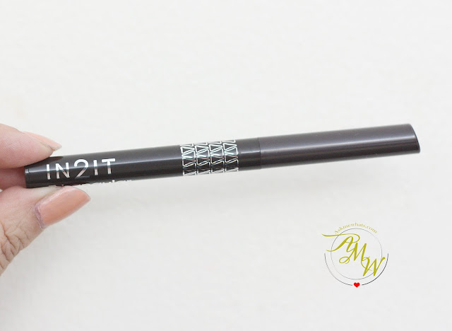 a photo of In2It Triangular Eyebrow Liner Review