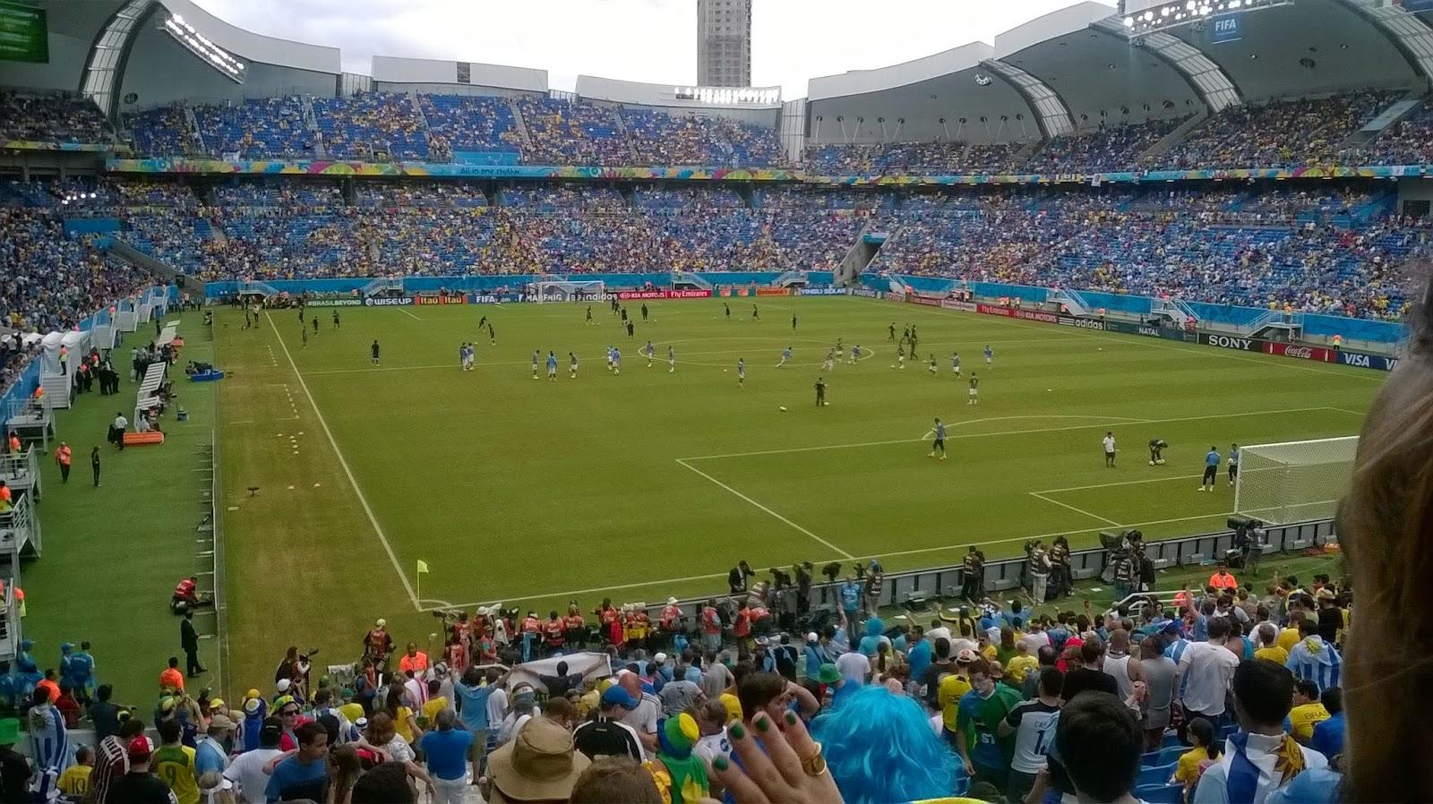 Dos estadios de Brasil 2014, en venta