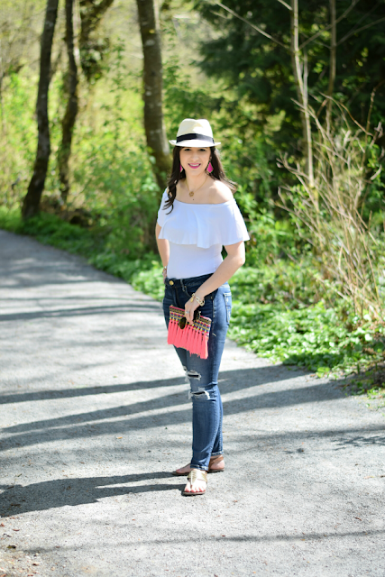 Off-the-shoulder Casual Spring Break Outfit
