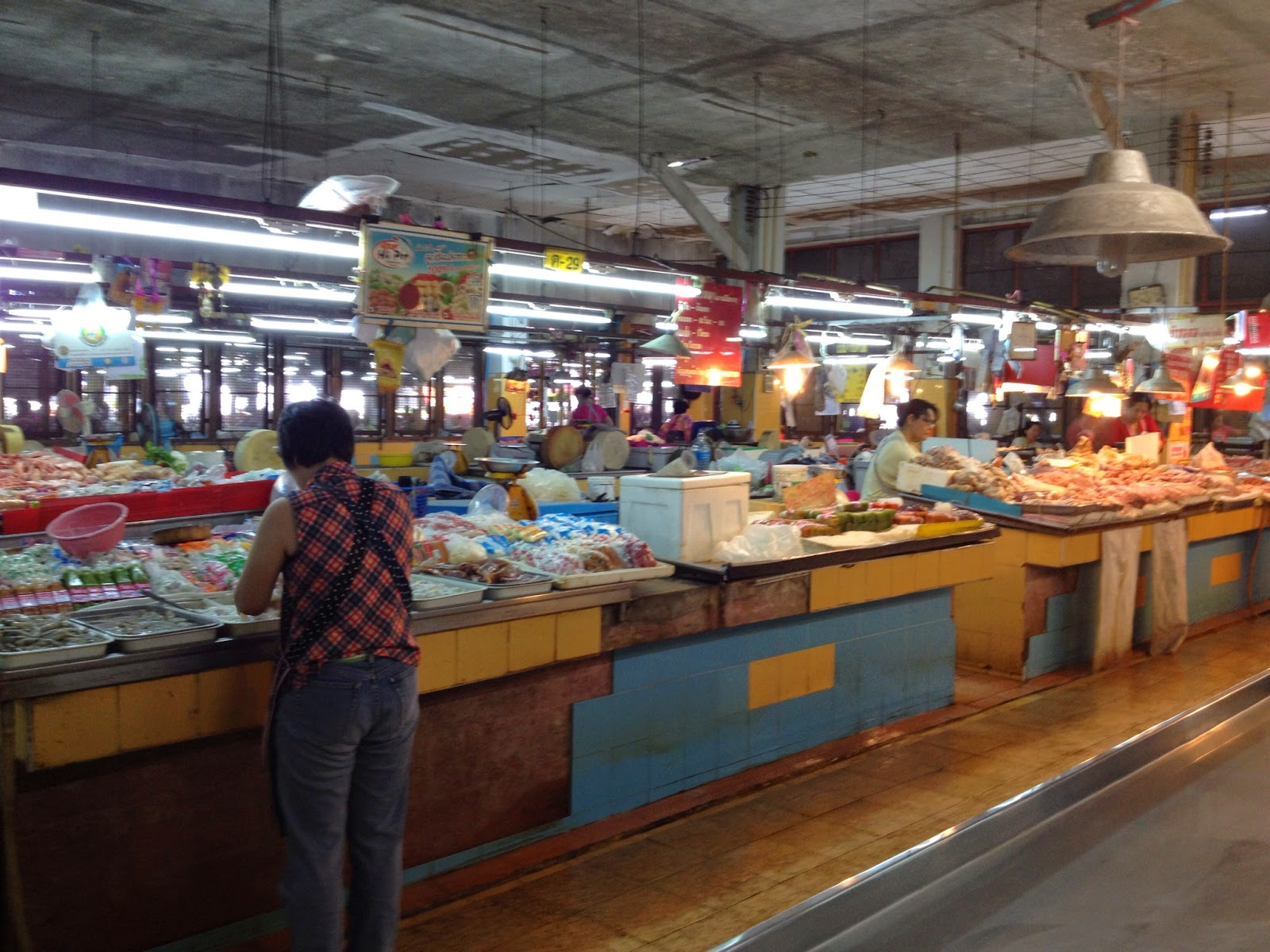 Chiang Mai - Fish and meat section