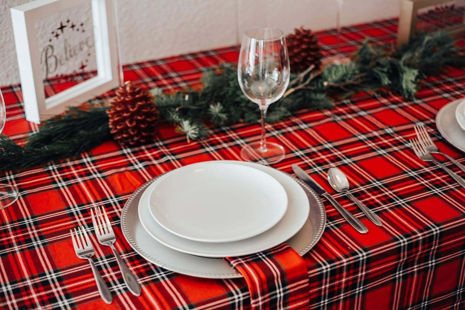 Christmas Tablescape Idea