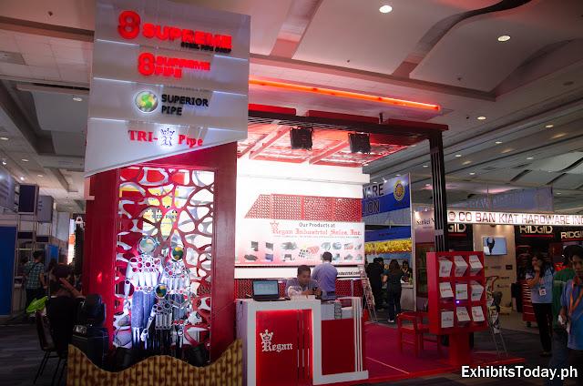8 Supreme Pipe Trade Show Display