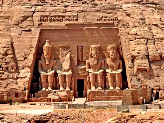 Gran Templo de Ramsés II, el más grande de los dos templos de Abu Simbel