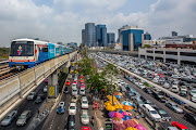 Thailand PM considers moving capital as Bangkok congestion takes toll