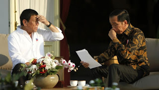 Heheh .. Presiden kita Bilang Presiden Filipina Izinkan Indonesia Eksekusi Mary Jane Namun Menlu Filipina Bantah Duterte Beri Izin Eksekusi Mary Jane Jadi Mana yang Benar ? - Commando  http://www.c0mando.com/2016/09/heheh-presiden-kita-bilang-presiden.html