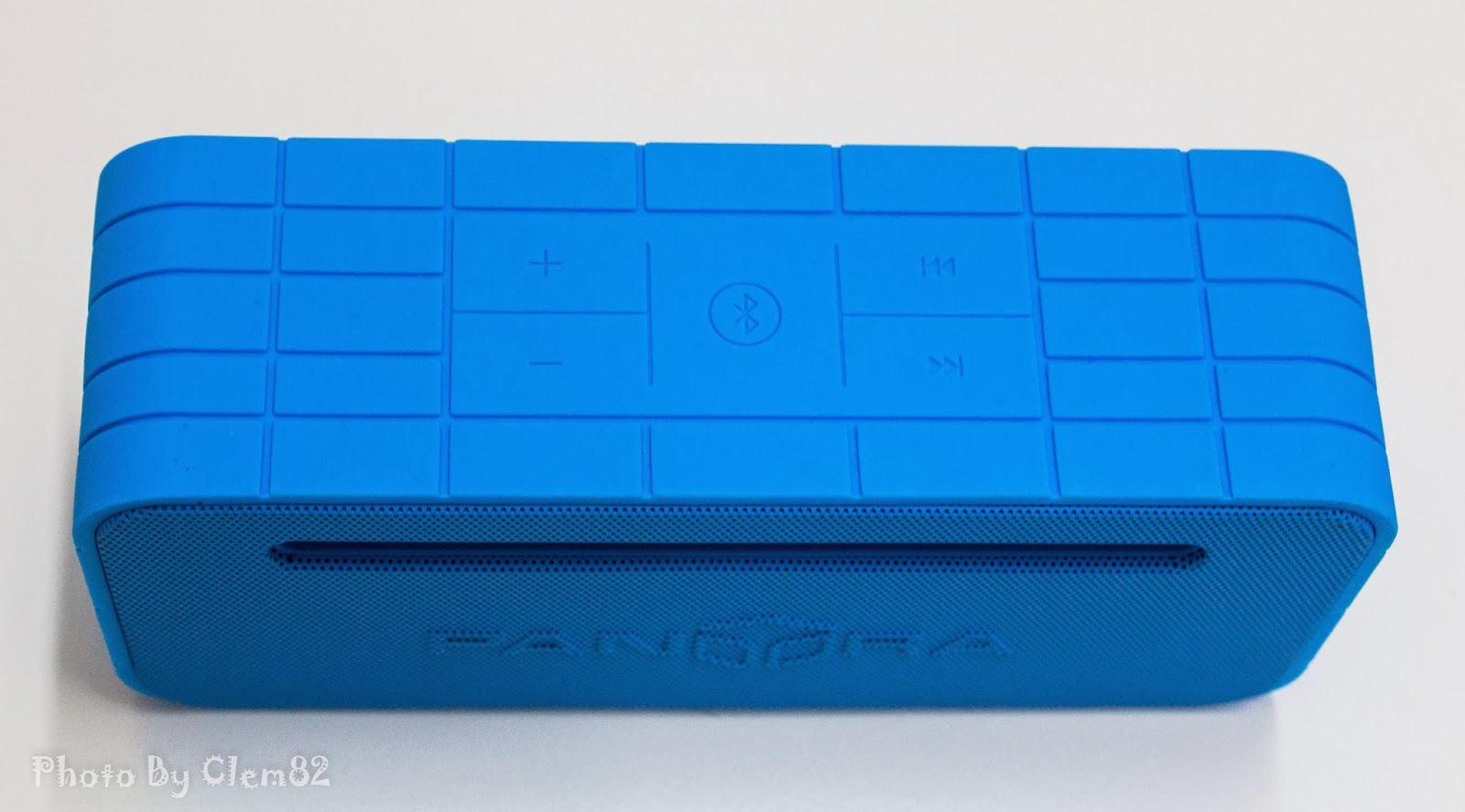 Opening Pandora's Box: SonicGear Pandora Wireless Bluetooth Media Player Series 17