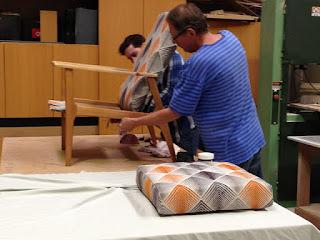 Se necesita tapicero, es lo que se dice cuando un taller busca un tapicero