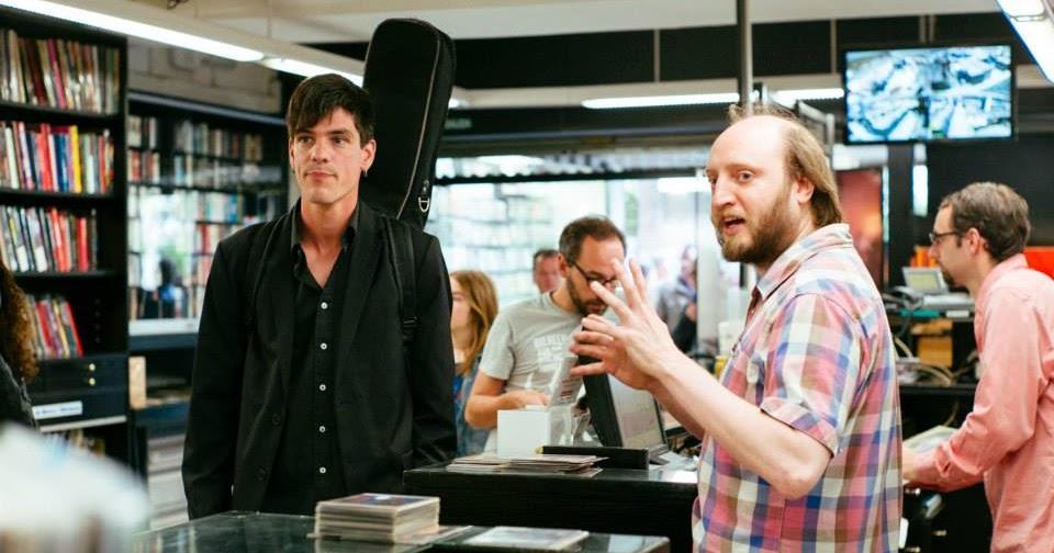 Richard wakefield presents disco 100 no es una tienda - Calle escorial barcelona ...