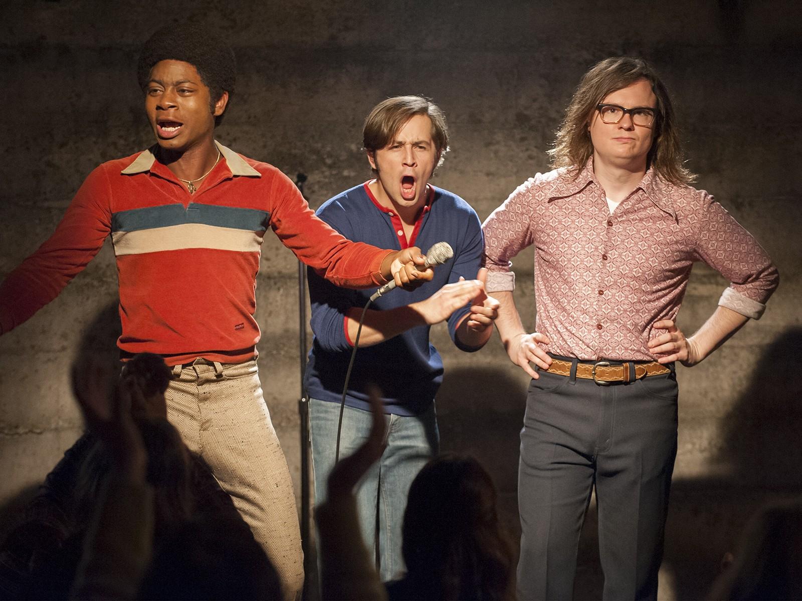 Tres de los protagonistas de I'm Dying Up Here en una escena de la serie