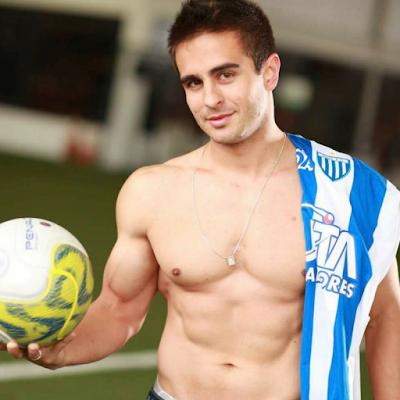 Ex-jogador de futebol, Henrique Azevedo supera depressão e se torna campeão de fisiculturismo