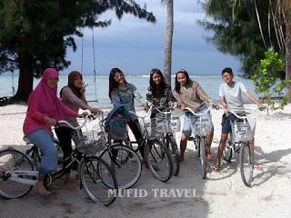 Pemandangan Pantai Saung Cemara Kasih Pulau Tidung