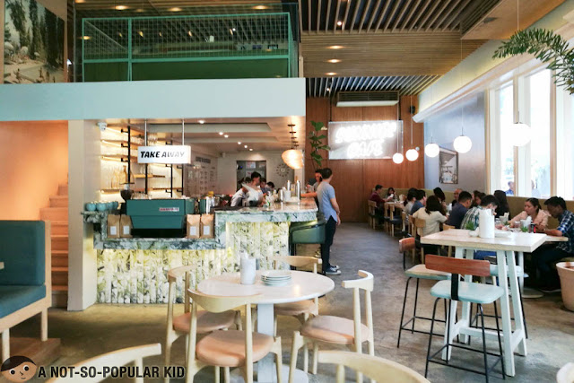 Sunnies Cafe in Bonifacio High Street