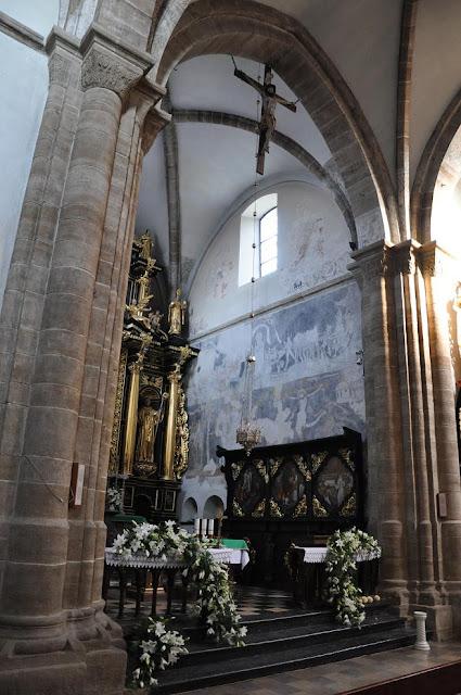 Późnoromański kościoł pocysterski w Koprzywnicy - prezbiterium